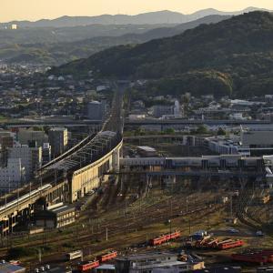 夕暮れ間近の新山口駅を発車した500系新幹線を撮る!