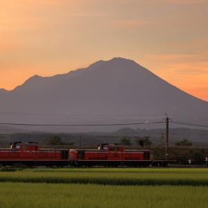 夜明け前の大山と、DD51重連のロンチキを撮る!(米子工臨撮影編)
