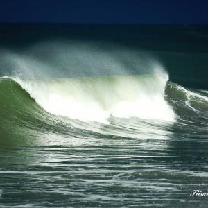 波(日本海は今日も荒れている)
