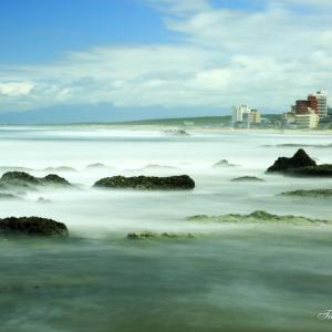 荒れる湯野浜海岸
