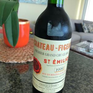 グアムで美味しいワインを飲む。