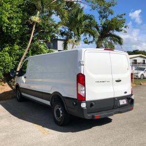 グアム島内での引っ越しに重宝したハーツのレンタトラック。