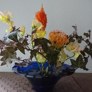 ランラン玄関の生け花NO.120 坂戸整体院ランラン
