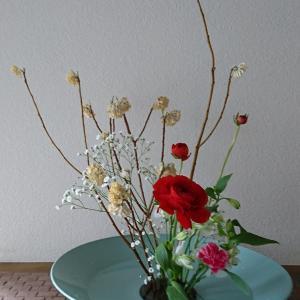ランラン玄関の生け花NO.130 坂戸整体院ランラン