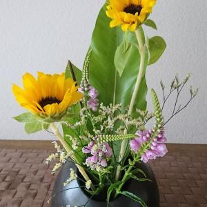 ランラン玄関の生け花NO.140 坂戸整体院ランラン