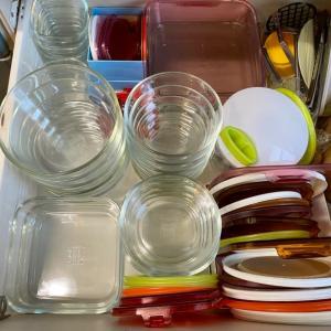 保存容器は耐熱ガラスに統一しています
