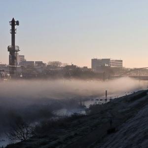 薄霧 朝の運河