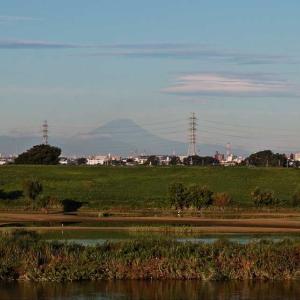 レンズ雲と 笠富士