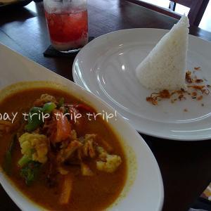 バリ島旅行記2019(16)ウブドの町歩きに疲れたら♪ランチ「Batan Waru」とカフェ「Krisna Cafe」☆☆