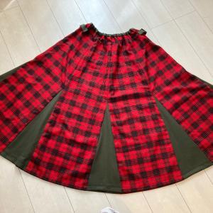 秋冬生地で三角別布×8枚剥ぎスカート!形がかなり可愛いっす!