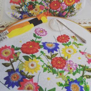 オーダー品の花の刺しゅう、色鮮やかに・・・♪