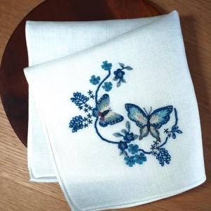 懐かしの!「青い蝶々の刺繍ハンカチ」!
