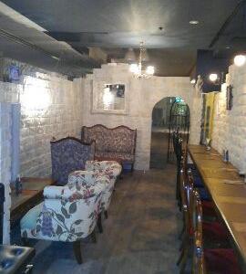 怪しい ひみつの地下室。アライブという名前の・・・・・