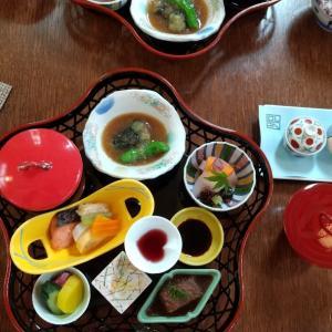 草菴(…そうあん こちらが正式な漢字みたい)レストラン「すゞ奈」