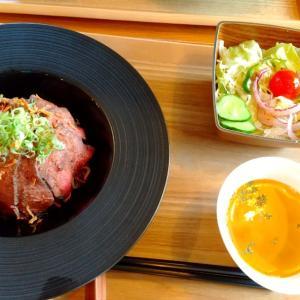 ステーキ丼とパフェ gift  NEW  OPEN♡