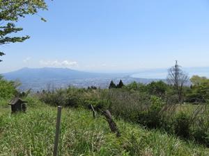 富士川駅から蒲原三山と野田山