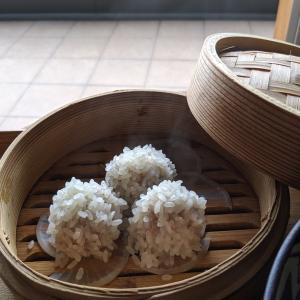 胡麻ラーメンと肉団子のもち米蒸し