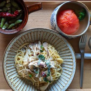 トマト丸ごとスープと枝豆のアヒージョでペペロンチーノパスタ
