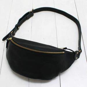 SLOW (スロウ) leather fanny pack