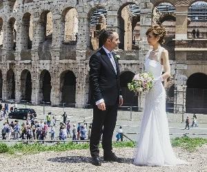 やっと出来上がってきた結婚式の写真を整理中(^^)