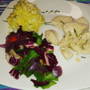 なんか久々にゆっくり二人ディナー☆チキンと自栽培ローズマリーノ、レモンとオリーブオイルで絶品にな