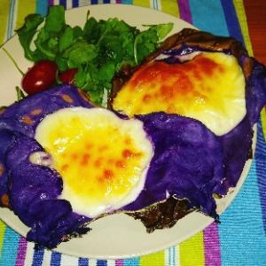 今回は大好きなスカルモッツァチーズをオーブンで☆この食べ方気に入った(^^)これで溶けたチーズが