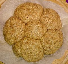 全粒粉のふわふわパン作った☆あんまりふわふわにならっなかたけど(笑)ちぎって食べれて簡単で気