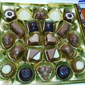 pgからのバレンタインチョコ。ペルジーナのショコラセットとだから甘さはきついけど、気持ちが嬉しい