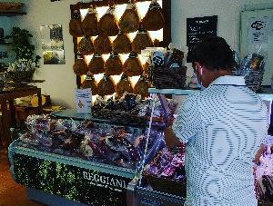 高品質の生ハムなどを求め♥Prosciutto di Bassiano Reggiani