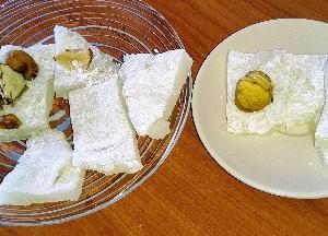 大好きな和菓子♥求肥作った~♪トッピングに栗とココナッツパウダーと一緒に食べたらさらに美味しかっ