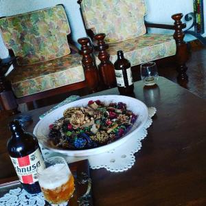 PG両親のセコンドハウスに来ました(^^)みんなでディナー♥まずはビールでアペリティーボしてます