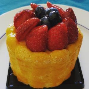 苺とベリーのシャルロットケーキ♥TORTA CHARLOTTE★Pasticceria Gruè