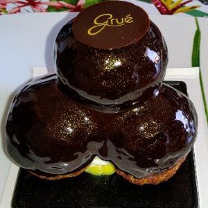 美しいプロフィットロール♥チョコシューの中のシャンティクリームもカスタードも美味しい★Gruè
