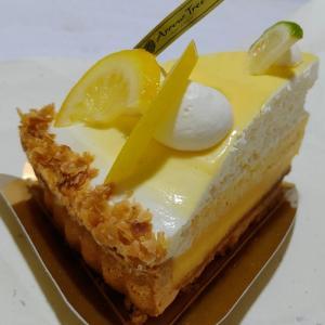 アローツリーのレモンクリームタルト♥たっぷりのレモンクリームとオリジナルクリームでパイ生地も美味