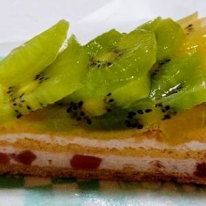 キルフェボンのキウイフルーツとリンゴムースのタルト♥季節毎に変わるフルーツタルトが大好き☆