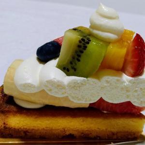 アローツリーの季節のいろいろフルーツタルト♥先月食べたけど美味しいのでまたGET♪甘いフルーツ達
