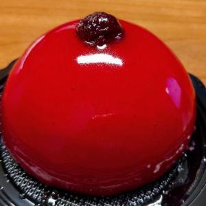 チェリーのアイスケーキ♥こちらも勿論ジェラテリアでGET♪バニラアイスも美味☆D'Essai