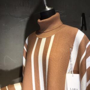 イタリアブランドのポンチョ風セーター