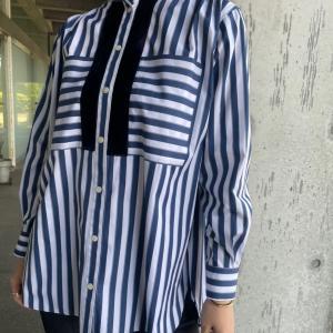 スタンドフリルシャツ