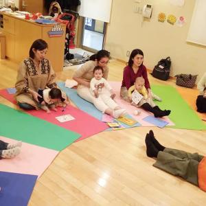 今日は、みえこ先生と恵比寿教室でベビーサイン基礎・継続クラスの3レッスンでした。