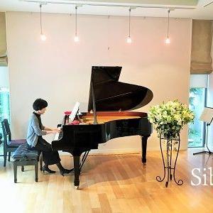 発表会舞台花 ~白とグリーンのお花のピアノ発表会