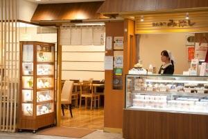 東京駅一番街で和スィーツ みはし