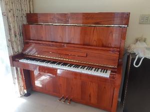 サイン入りピアノ