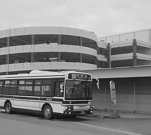 臨港バス運転手と「無言の行」