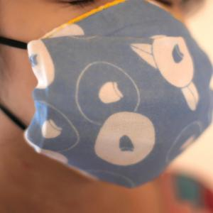 手作りのハンカチマスク(パールSUNツイッターから)