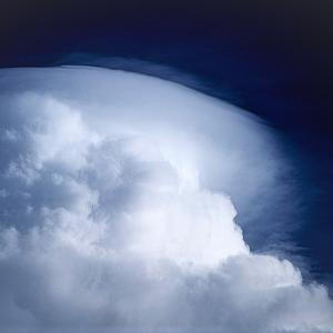 巨大な梅雨雲
