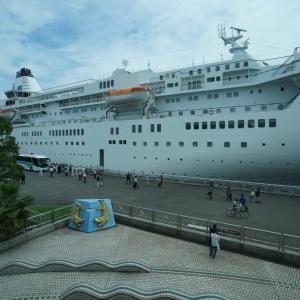 客船が間近に見えるレストラン 東山ガーデン ポートビル店