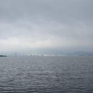 6月26日の琵琶湖 変な天気でした。