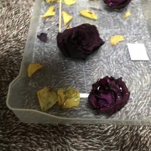 薔薇にUVレジンを塗ってみた