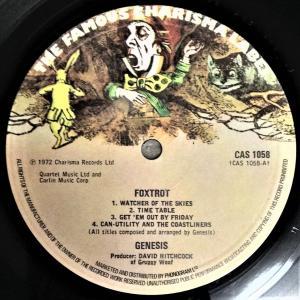 中古レコード入手情報:『Foxtrot』UK再発ヘタレ盤